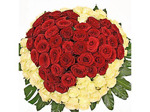 Букет из 101 розы в виде сердца