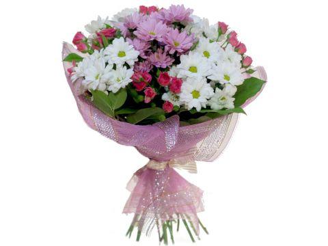 Букет 25 хризантем, 4 кустовые розы