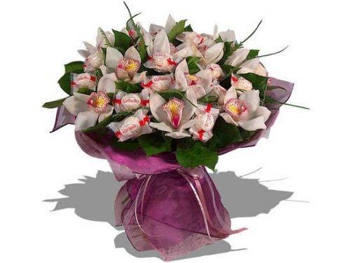 Букет из орхидей с рафаэлло