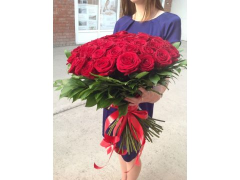 Букет из 50 красных роз