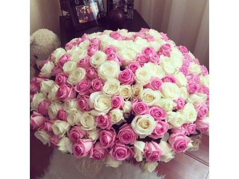 Букет из белых и розовых роз, 101шт