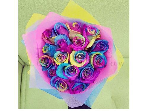 15 радужных роз