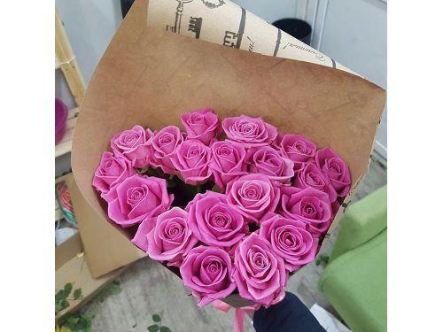 19 розовых роз Аква