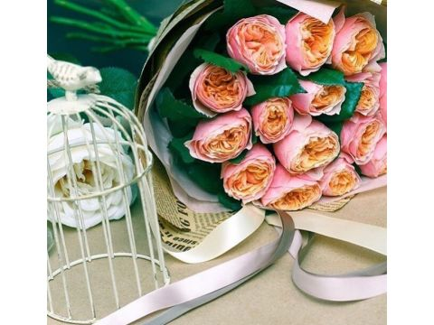 "15 пионовидных роз ""Вувузела"""