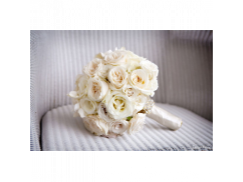 Свадебный букет из 29 белых роз