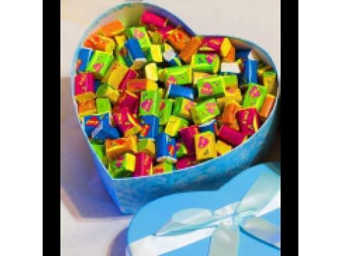Упаковка жевачек Love is...